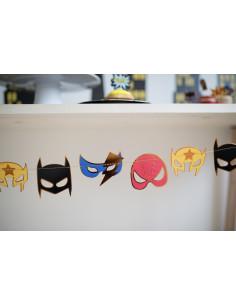 guirlande-masques-super-heros-deco-anniversaire-super-heros-originale.jpg
